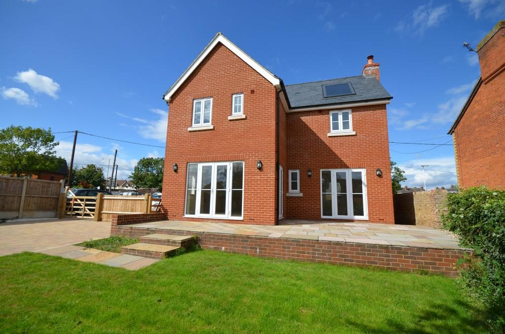 3 Bedrooms Detached House for sale in Easton Road, Witham, CM8 1DW