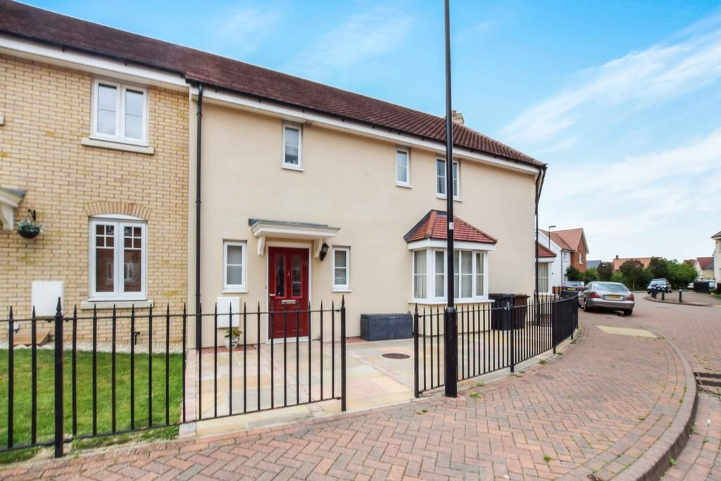 3 Bedrooms Terraced House for sale in Corunna Drive, Colchester, CO2 9GJ