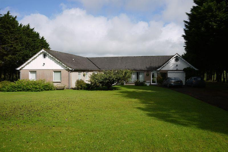 5 Bedrooms Bungalow for sale in Red Post, Holsworthy