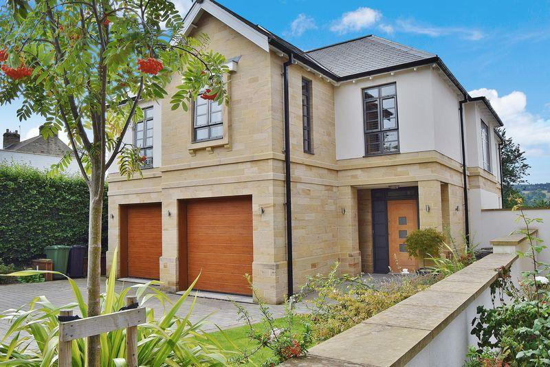 5 Bedrooms Detached House for sale in Appletree Lane, Corbridge