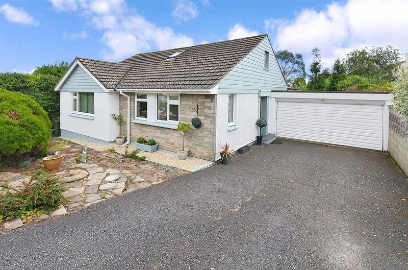 4 Bedrooms Detached Bungalow for sale in Anthea Road, Paignton