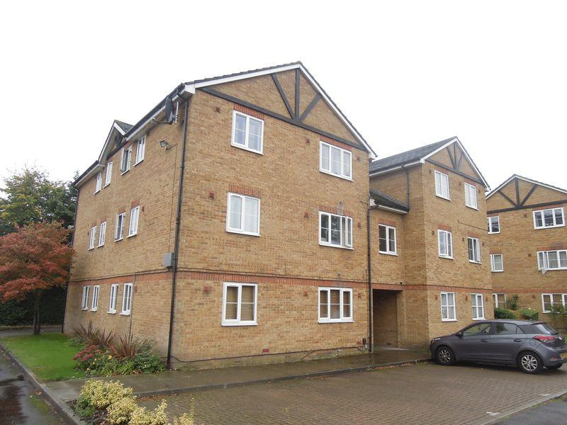 1 Bedroom Flat for sale in MAPLIN PARK - LANGLEY