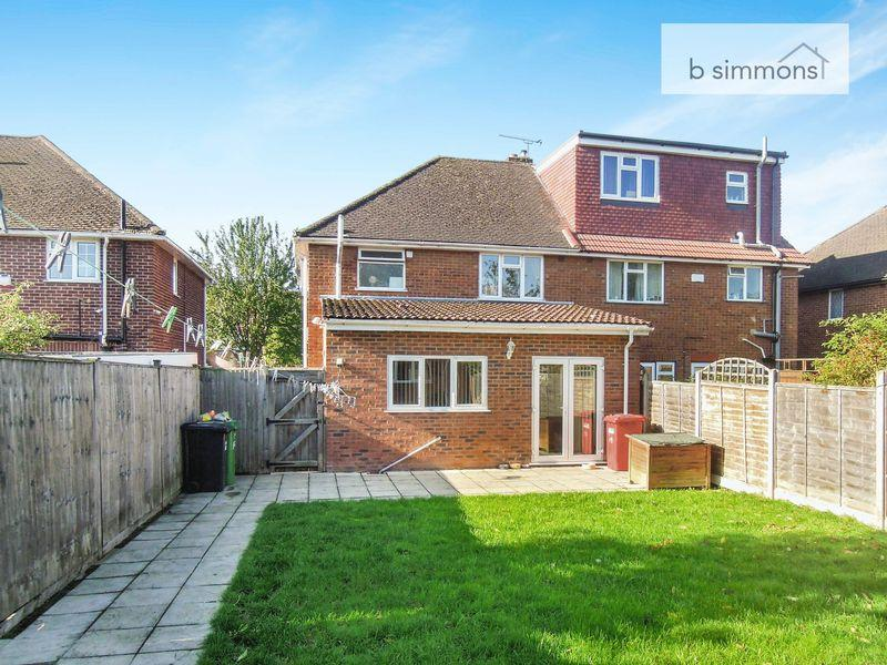 3 Bedrooms Semi Detached House for sale in Mulberry Drive, LANGLEY -CASTLEVIEW