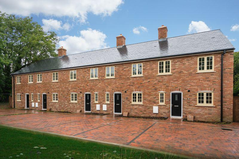 3 Bedrooms Terraced House for sale in Bell Cottages, Dunstable Road, Studham