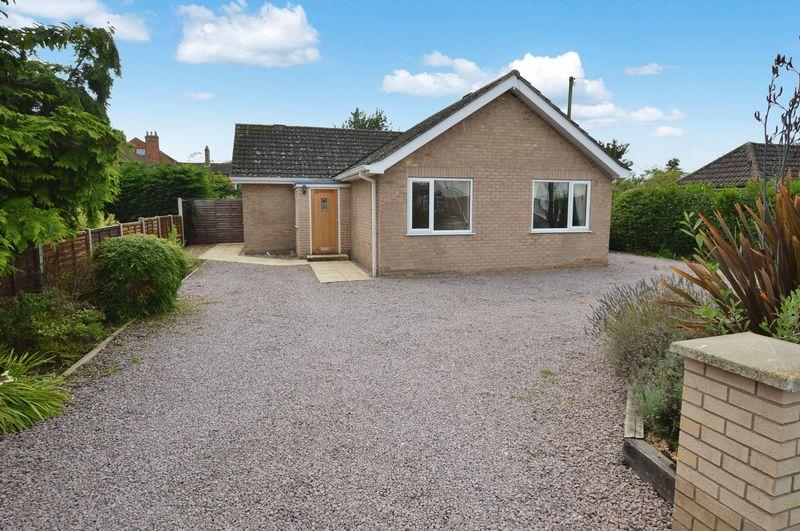 3 Bedrooms Detached Bungalow for sale in 3 Alexandra Road, Woodhall Spa