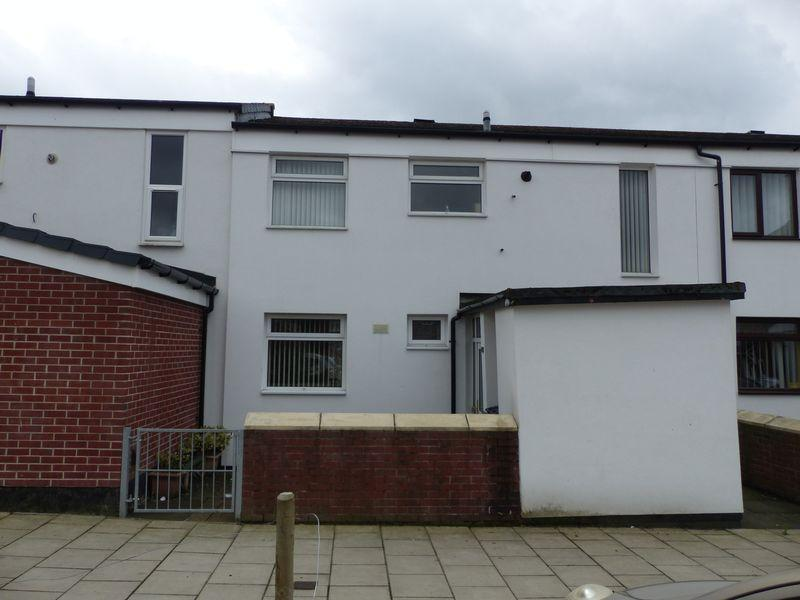 3 Bedrooms Terraced House for sale in Rochester Way, Chadderton