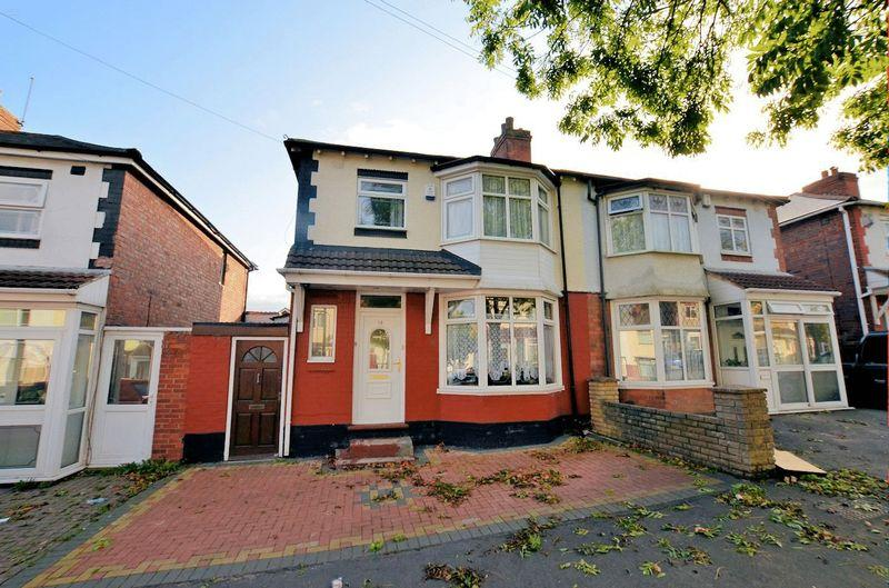 3 Bedrooms Semi Detached House for sale in Hugh Road, Smethwick