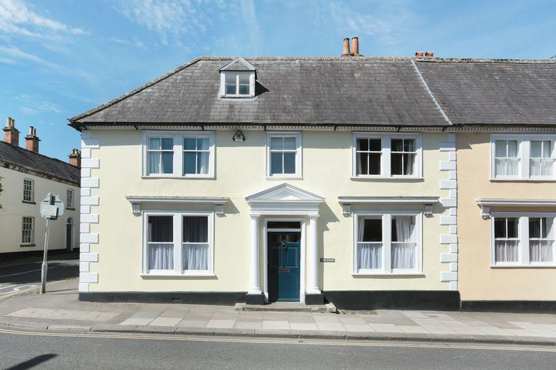 5 Bedrooms Terraced House for sale in Devizes, Wiltshire, SN10 1NT