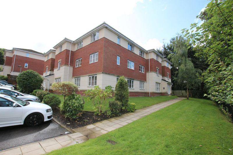 2 Bedrooms Apartment Flat for sale in Whitecroft Meadow, Alkrington, Middleton M24 1LU