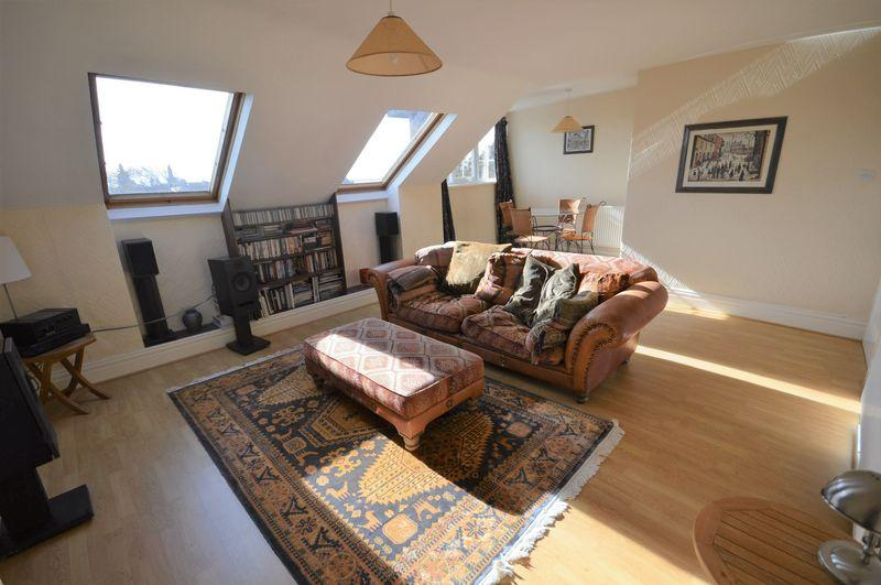 2 Bedrooms Apartment Flat for sale in The Studio, 2 Courtenay Road