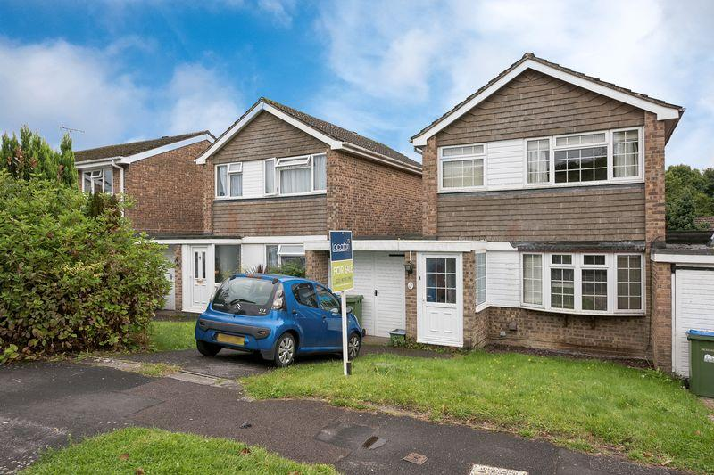 3 Bedrooms Link Detached House for sale in Lordswood, Southampton