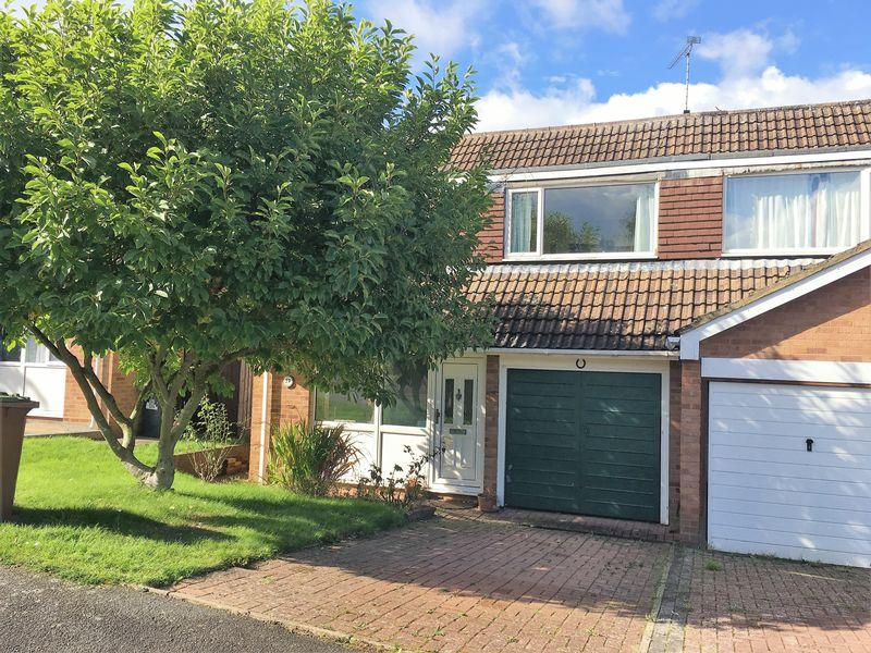 3 Bedrooms Semi Detached House for sale in Daventry