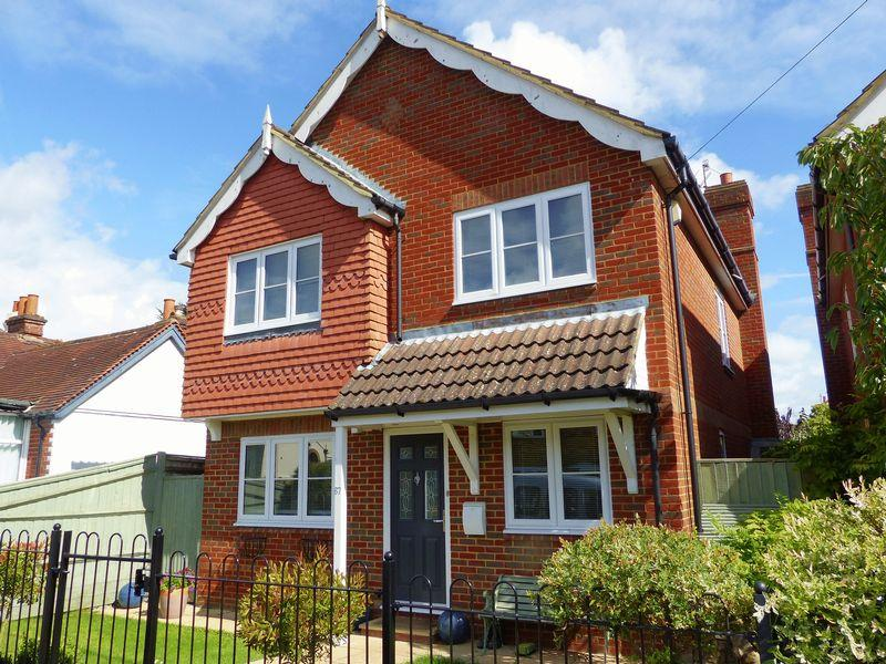 4 Bedrooms Detached House for sale in Marlow