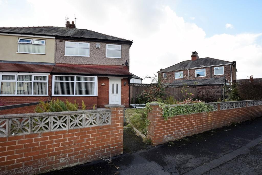 3 Bedrooms Semi Detached House for sale in Poplar Grove, Prescot