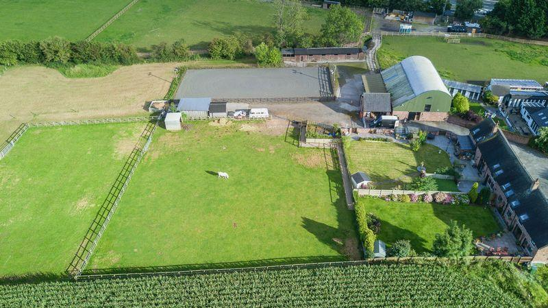 House for sale in Residential, Commercial Equestrian, Barley Castle Lane, Warrington