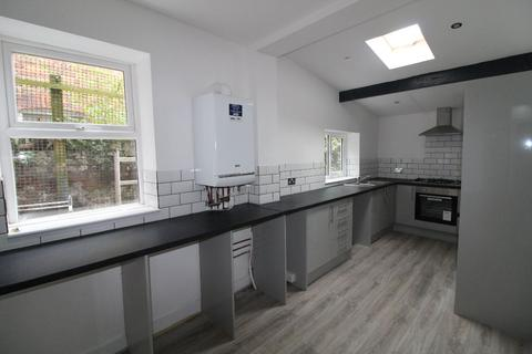 6 bedroom house share to rent - Finlay Street