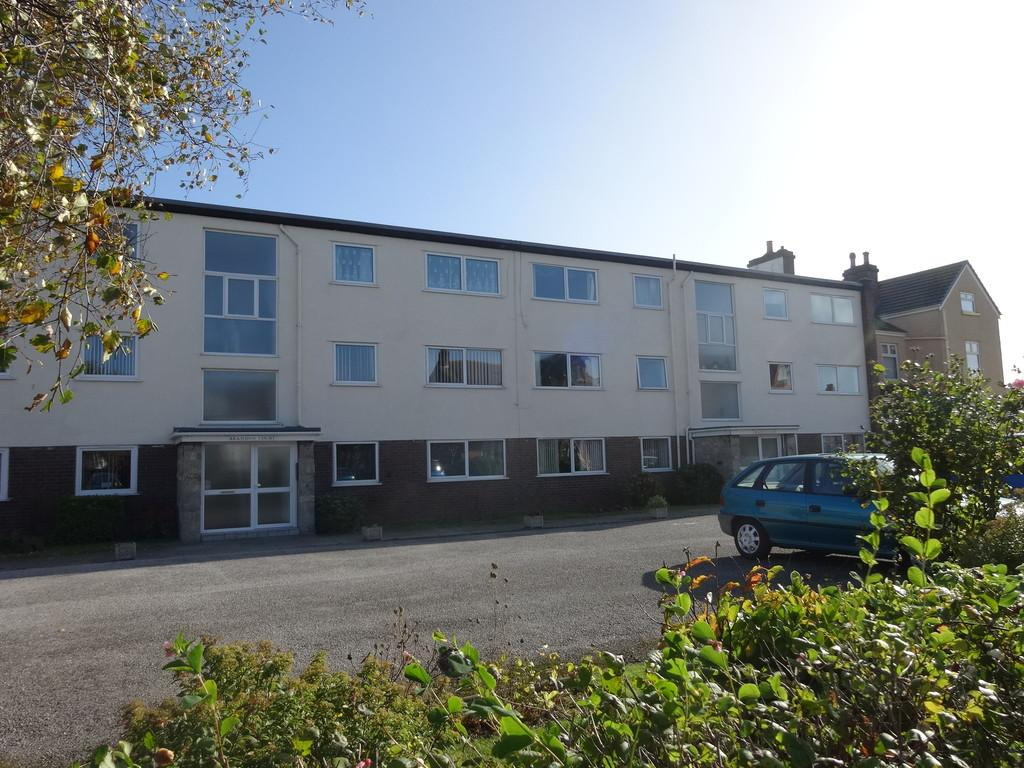 2 Bedrooms Flat for sale in Russell Road, Rhyl