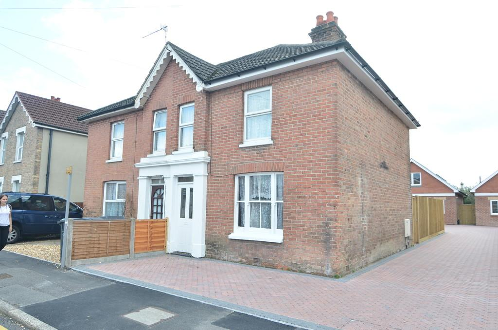 3 Bedrooms Semi Detached House for sale in Wycliffe Road, Bournemouth