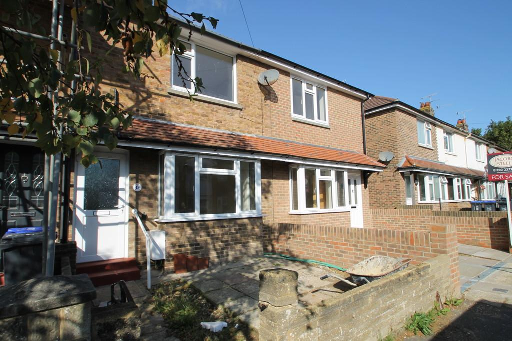 2 Bedrooms Terraced House for sale in St Elmo Road, Worthing, BN14 7EJ
