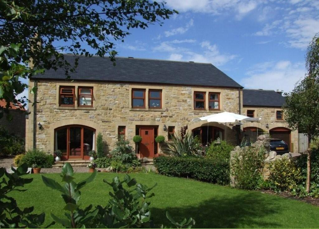 5 Bedrooms Detached House for sale in South Farm, Glanton