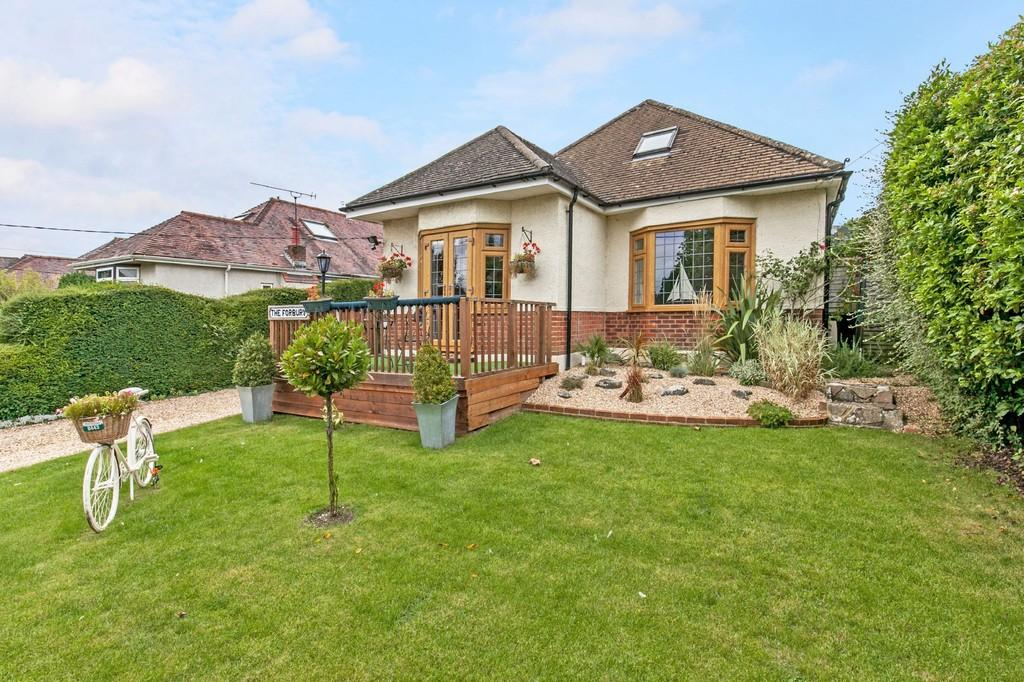 4 Bedrooms Detached Bungalow for sale in Uplands Road, Bereweeke, Winchester, SO22