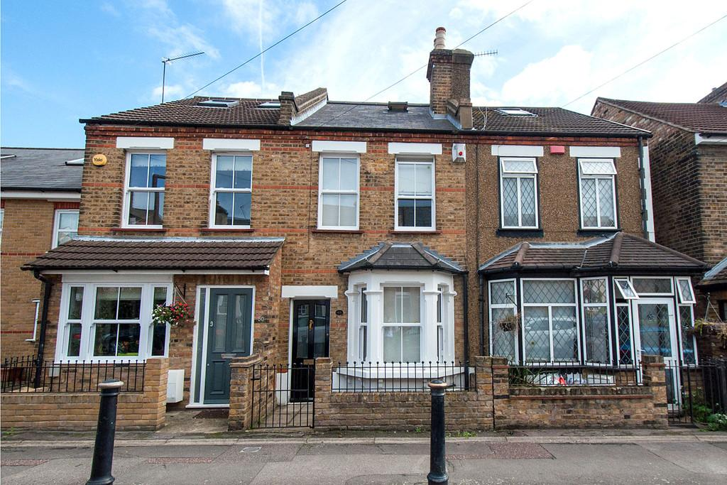 3 Bedrooms Terraced House for sale in Alfred Road, Buckhurst Hill