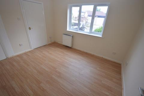 1 bedroom flat to rent - Express Drive,  Ilford, IG3