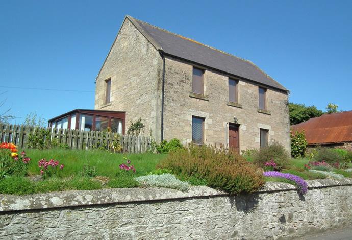 2 Bedrooms Detached House for sale in Rosebank, Main Street West End, Chirnside, TD11 3UQ