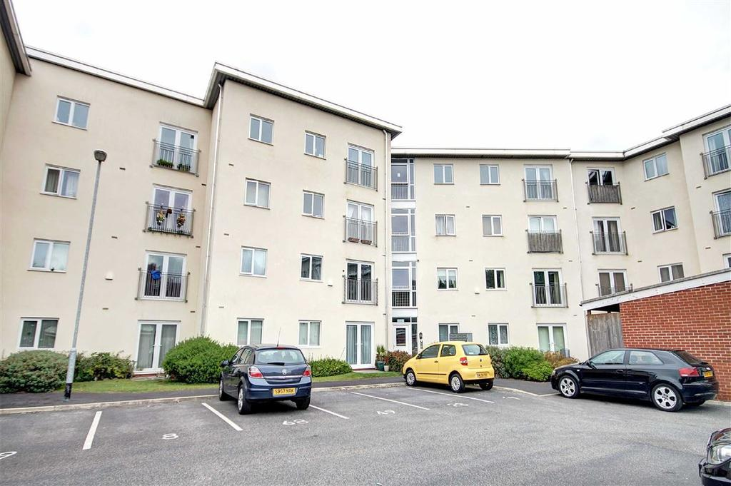 2 Bedrooms Apartment Flat for sale in Deansgate Lane, Timperley, Cheshire