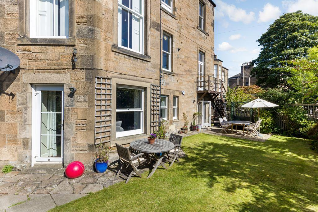 3 Bedrooms Flat for sale in 8a Morningside Place, Morningside, EH10 5ER