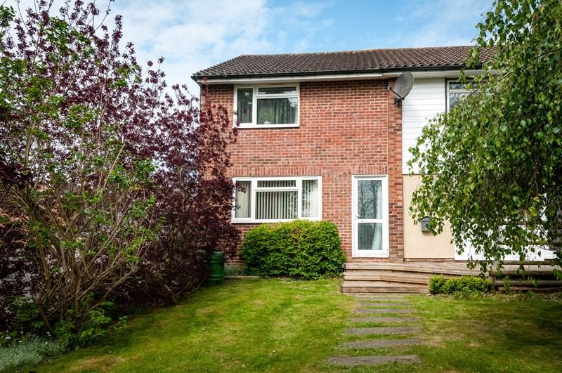 2 Bedrooms End Of Terrace House for sale in Boundsway, Uckfield