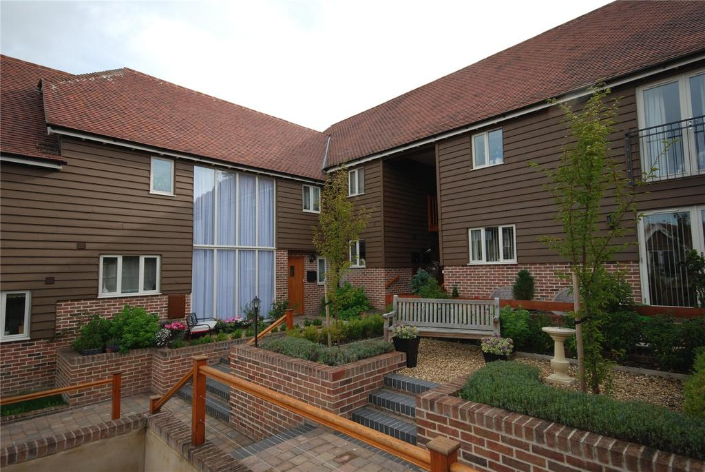 2 Bedrooms Flat for sale in Old School Mews, Shrewton, Salisbury, Wiltshire, SP3