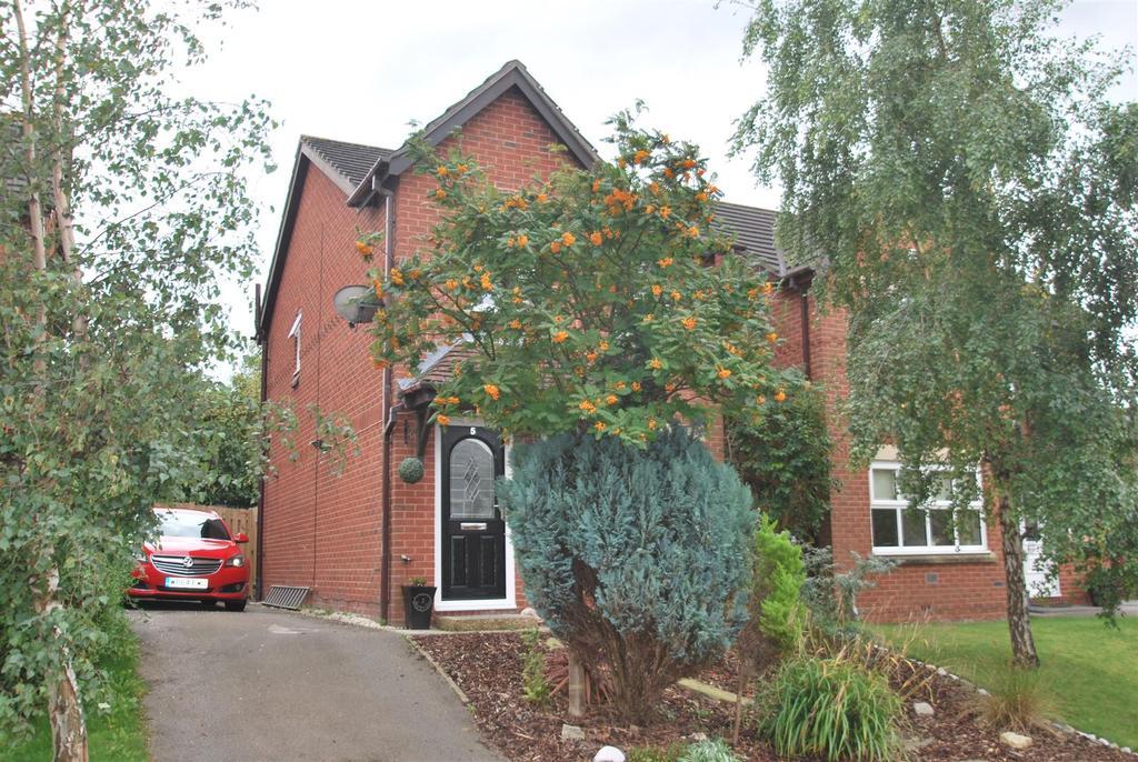 3 Bedrooms Detached House for sale in Pennington Close, Frodsham