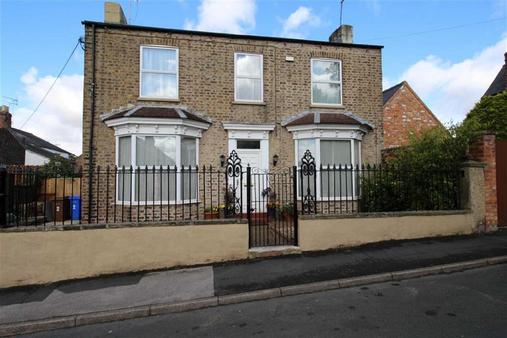 4 Bedrooms Detached House for sale in Downe Street, Driffield, East Yorkshire