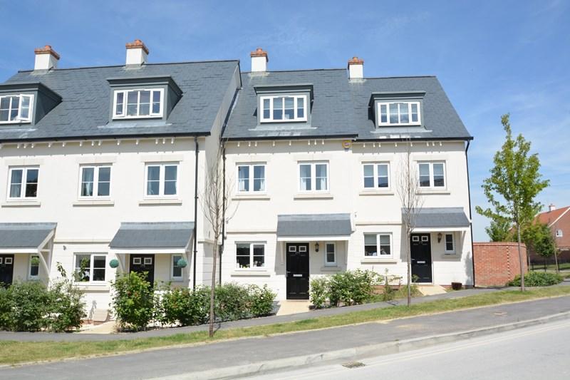 3 Bedrooms Town House for sale in Picket Twenty Way, Andover