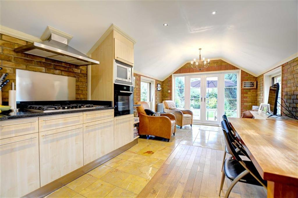 2 Bedrooms End Of Terrace House for sale in Palace Road, Bromley, Kent