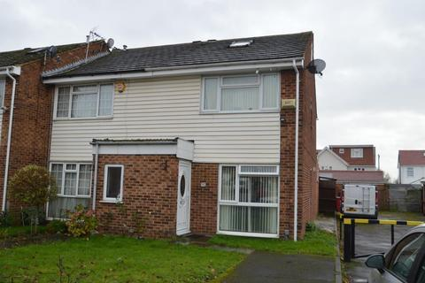 3 bedroom end of terrace house for sale - Severn Crescent, Langley, SL3