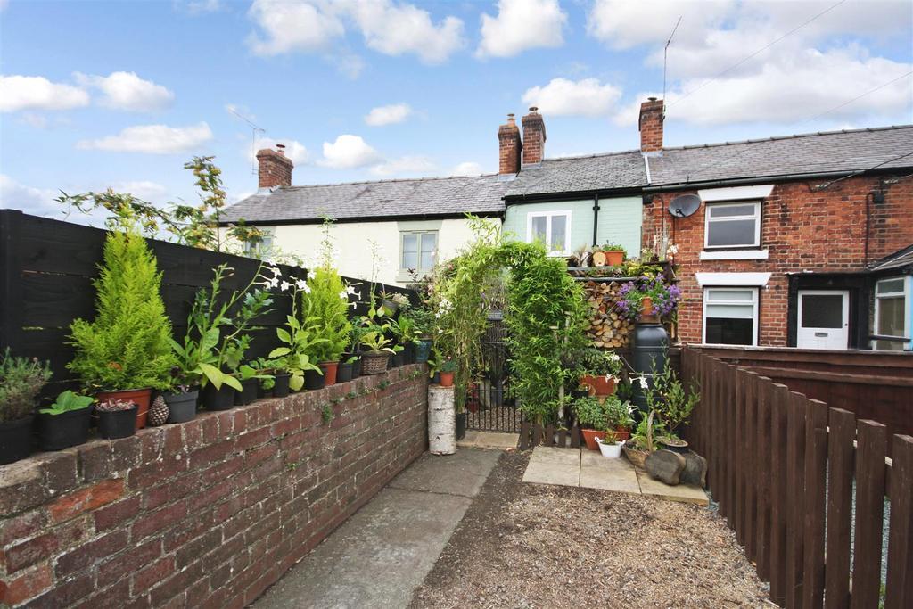 1 Bedroom Terraced House for sale in Church Lane, Llansantffraid