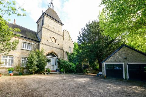 6 bedroom semi-detached house to rent - The Knoll Beckenham BR3