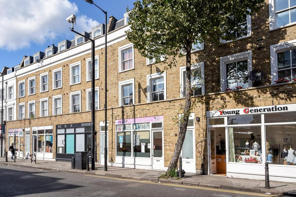 1 Bedroom Flat for sale in Balls Pond Road, Islington