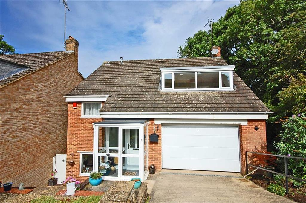 4 Bedrooms Detached House for sale in Lawrence Close, Charlton Kings, Cheltenham, GL52