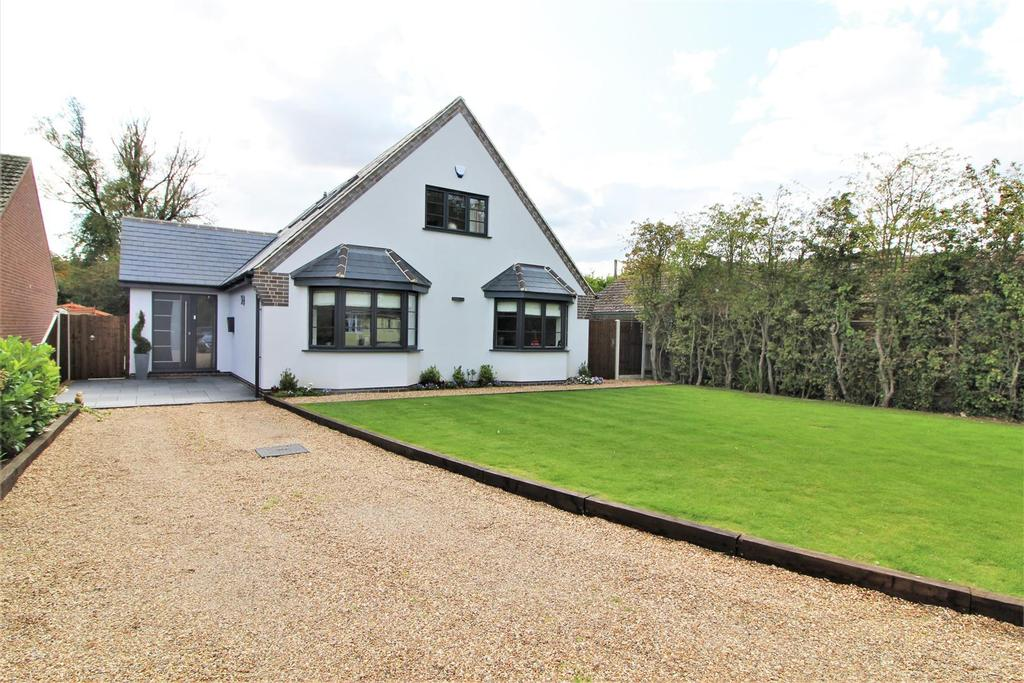 4 Bedrooms Detached House for sale in White Lodge Crescent, Thorpe-Le-Soken