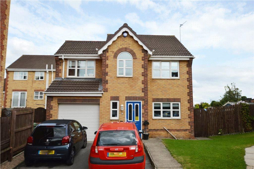 3 Bedrooms Detached House for sale in Holyrood Chase, Castleford, West Yorkshire
