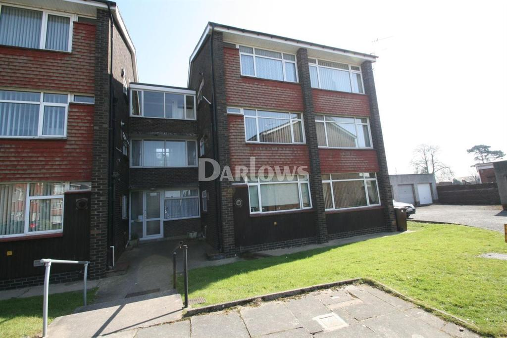 2 Bedrooms Flat for sale in Chulmleigh Close, Rumney, Cardiff