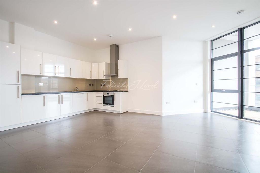 2 Bedrooms Flat for sale in Wick Tower, Powis Street, Woolwich, SE18