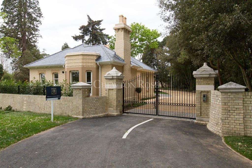 2 Bedrooms Bungalow for sale in Lexden