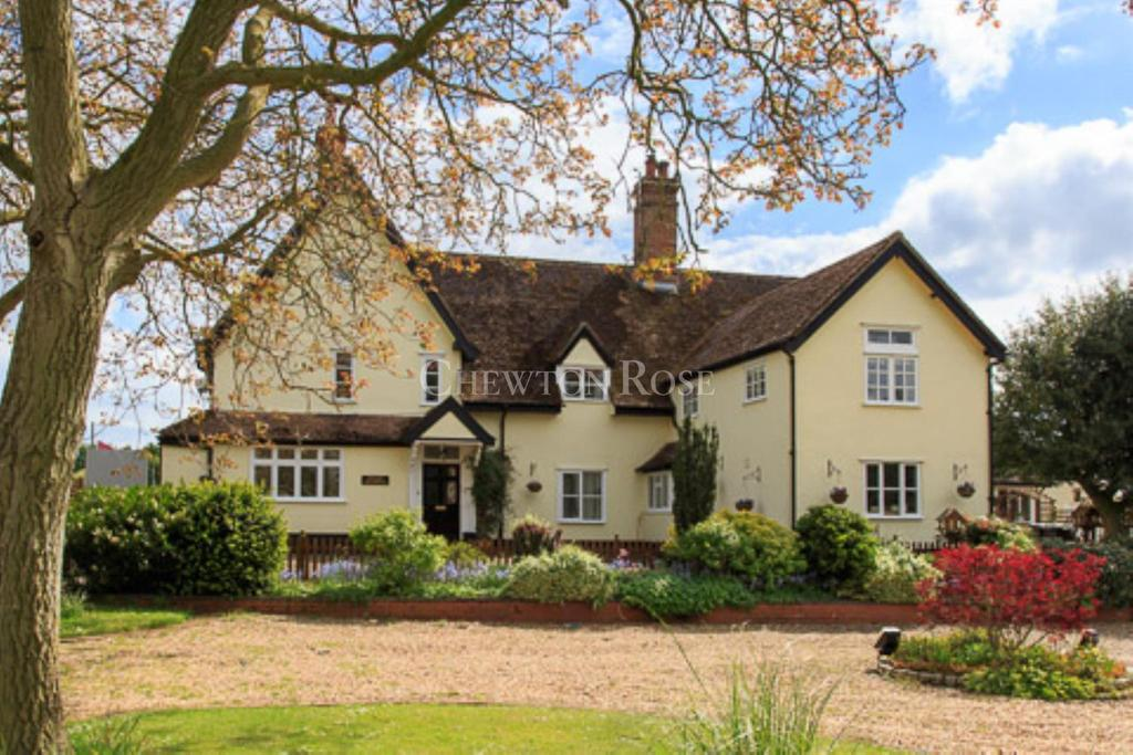 7 Bedrooms Detached House for sale in Near Diss