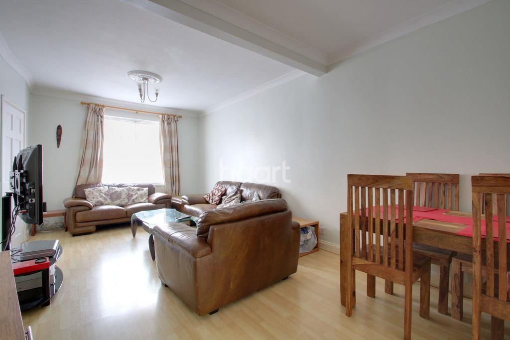 2 Bedrooms Terraced House for sale in Henshawe Road, Dagenham