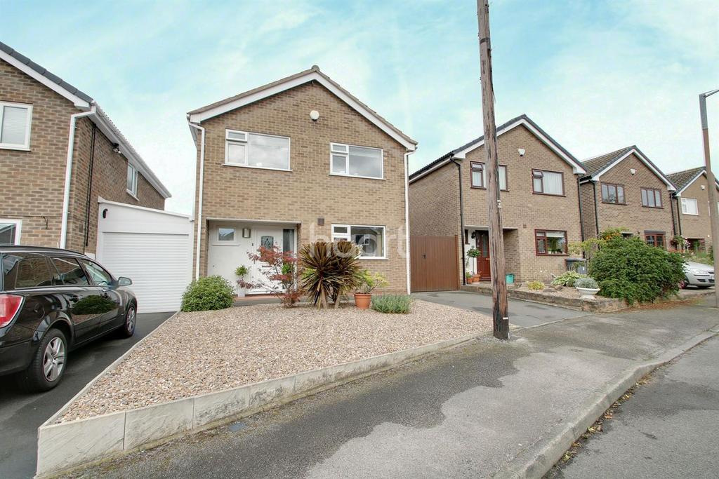 4 Bedrooms Detached House for sale in Newlands Drive, Gedling