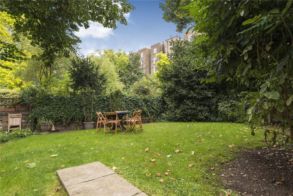 2 Bedrooms Flat for sale in Radford House, 1 Pembridge Gardens, London